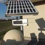 福島シンポ案内写真(放射線量測定器)